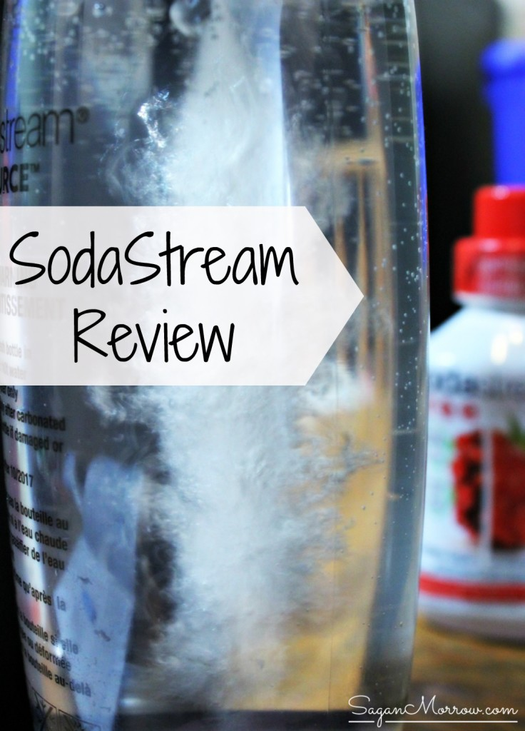 Is the SodaStream right for you? This SodaStream review looks at why we need to drink more water and the benefits of the SodaStream (also includes a healthy cocktail recipe!) ~ SodaStream Canada ~ water health benefits ~ low-calorie cocktail ~ festive cocktail ~ health tip
